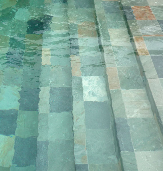 Carrelage ceramique pour piscine id es for Carrelage quartzite